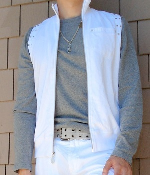 Gray long sleeve T-shirt and White fashion vest