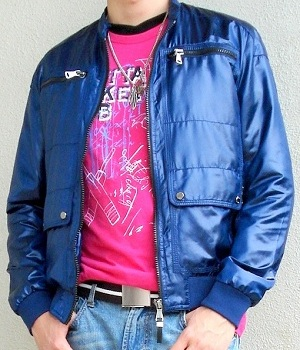 Pink t-shirt, dark blue jacket, light blue jeans