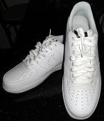 Nike White Running Shoes With White Shoe Laces