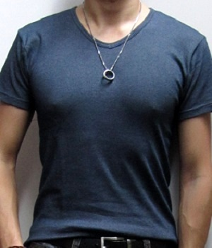 Men's Uniqlo Dark Blue Marled V-Neck T-Shirt