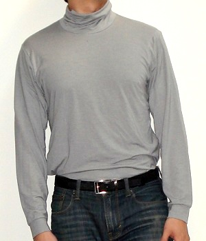 Men's Uniqlo Gray Mock Turtleneck T-Shirt