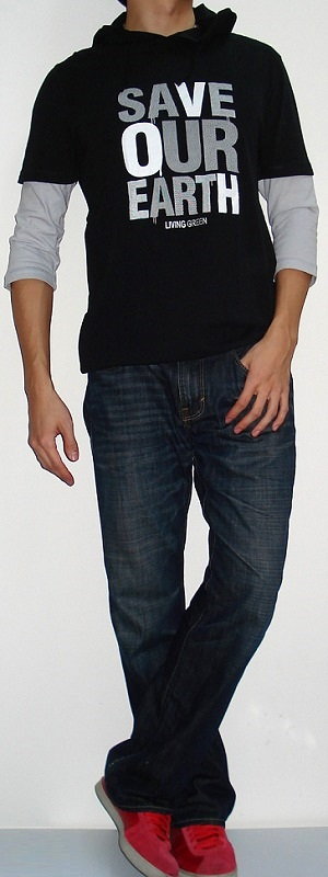 Men's Black 3/4 Sleeve Graphic T-shirt Dark Blue Jeans Red Sneakers