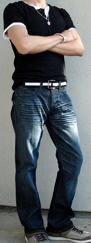 Black button t shirt black webbing belt dark blue jeans Black shirt blue jeans