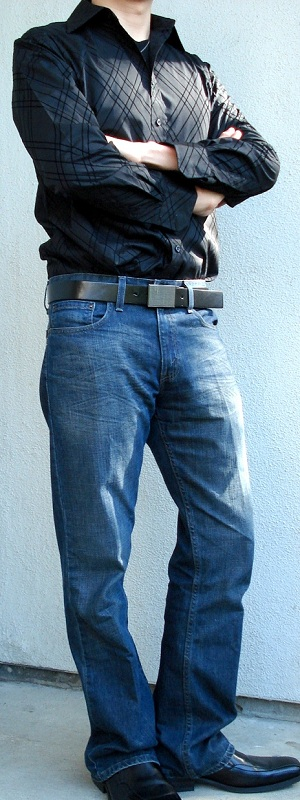 Black casual shirt black t shirt black leather belt black Black shirt blue jeans