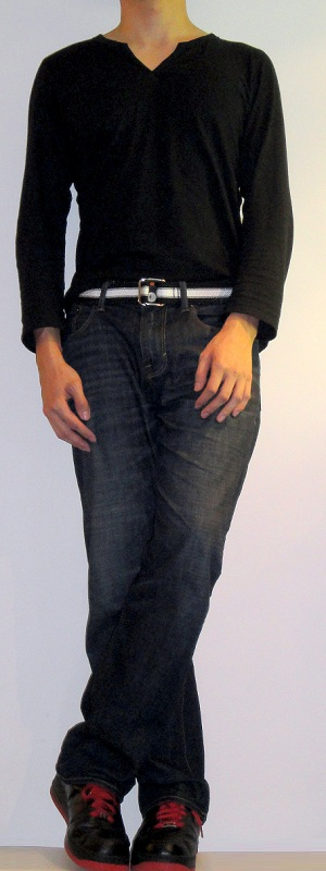 Black Slit Neck T-Shirt Black Webbing Belt Dark Blue Jeans Black Sports Shoes