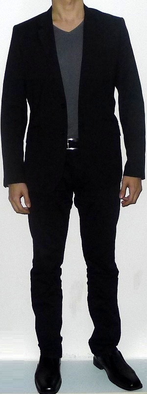 black suit jacket gray v neck t shirt black belt black