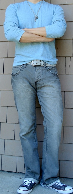 Men's Blue T-Shirt Gray Belt Gray Jeans Gray Shoes