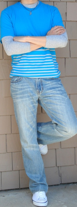 Men's Blue T-Shirt Gray Undershirt White Belt