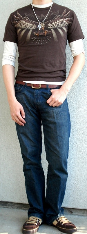Men's Brown Graphic Tee Brown Leather Belt Brown Shoes Beige T-Shirt