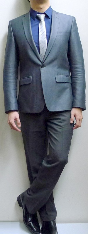 Dark Gray Suit Dark Blue Dress Shirt Light Gray Necktie Black Leather Shoes