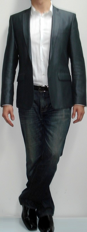 Dark grey blazer white shirt dark blue jeans black shoes Black shirt blue jeans