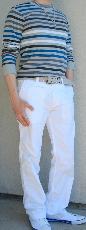 Men's Gray Blue Striped T-Shirt White Pants White Shoes Gray Belt