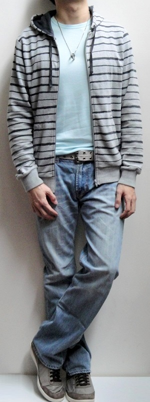 Men's Gray Striped Jacket Light Blue Crew Neck T-shirt Gray Belt Light Blue Jeans Gray Sneakers