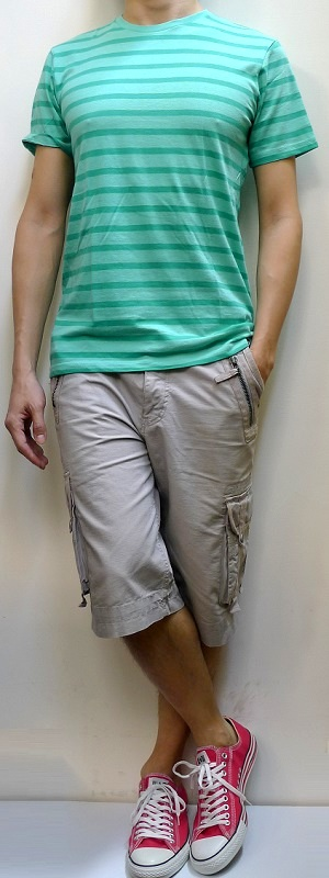 Green Striped Short Sleeve T-shirt Gray Cargo Shorts Pink Canvas Shoes