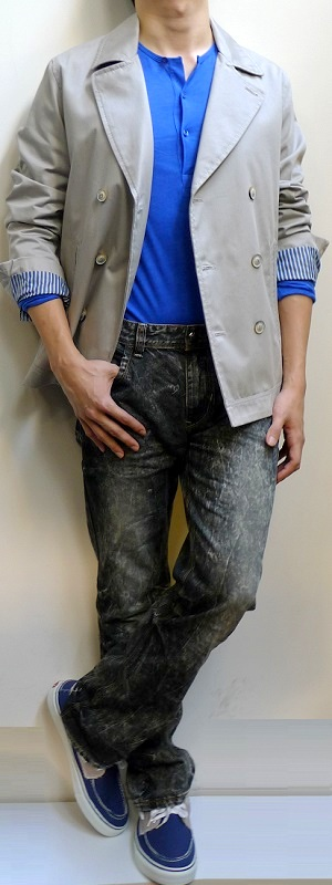 Men's Khaki Double Breasted Blazer Blue Half Button Long Sleeve T-shirt Black Jeans Navy Boat Shoes