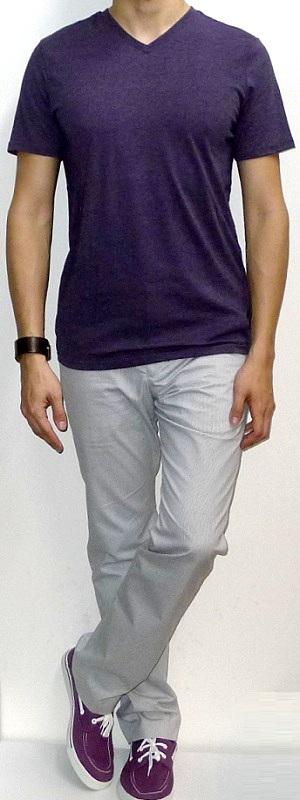 Purple V-neck T-shirt White Pants Purple Canvas Shoes