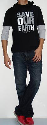 Black 3/4 Sleeve Graphic T-shirt Dark Blue Jeans Red Sneakers