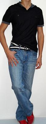 Black Short Sleeve Hooded T-shirt Black White Belt Light Blue Jeans Red Shoes