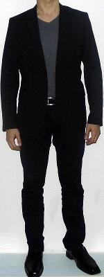 Black Suit Jacket Gray V-neck T-shirt Black Belt Black Suit Pants Black Leather Shoes