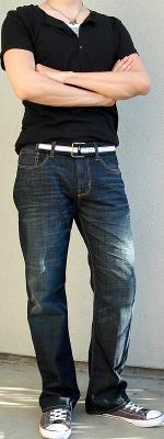 Black T-Shirt Black Webbing Belt Dark Blue Jeans Gray Shoes