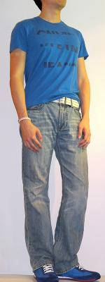 Dark Blue Graphic Tee White Cotton Belt Light Blue Jeans Blue Fashion Sneakers