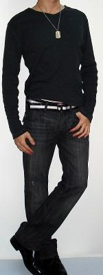 Dark Gray Long Sleeve V-neck T-shirt Black White Belt Black Jeans Black Shoes