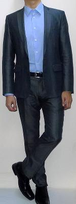 Dark Gray Suit Blazer Light Blue Dress Shirt Black Leather Belt Dark Gray Suit Pants Black Dress Shoes