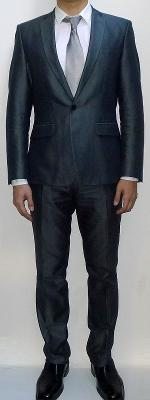 Dark Gray Suit Blazer White Dress Shirt Silver Tie Dark Gray Suit Pants Black Dress Shoes