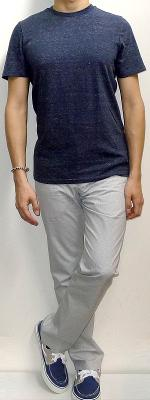 Navy Crew Neck T-shirt White Pants Navy Canvas Shoes