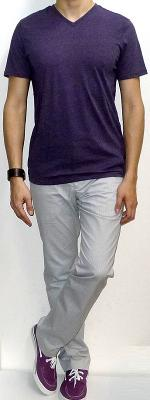 Purple V-neck T-shirt White Pants Purple Canvas Shoes