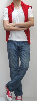 Red Cape White Short Sleeve V Neck T-Shirt Light Blue Jeans Pink Canvas Shoes