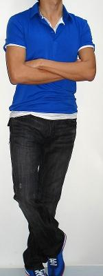 Blue Polo White Short Sleeve T-shirt Black Jeans Blue Sneakers
