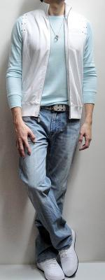 White Vest Light Blue Long Sleeve T-shirt Gray Belt Light Blue Jeans White Tennis Shoes