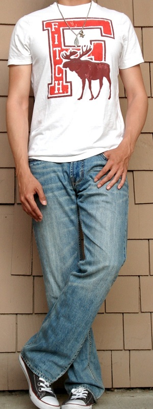 Men's White Graphic Tee Light Blue Jeans Gray Shoes