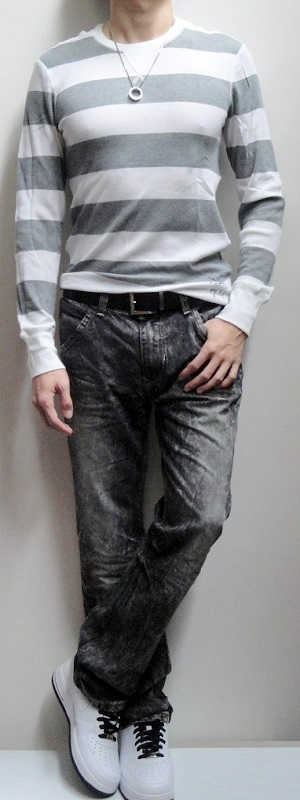 White Gray Striped Thermal Silver Pendant Dark Brown Belt Black Snow Jeans White Running Shoes