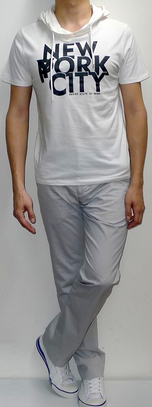 Men's White Hooded Graphic T-shirt White Pants White Canvas Shoes