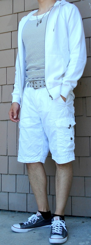Men's White Hoodie White Shorts Gray Shoes