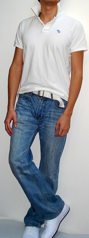 Men's White Polo White Belt Light Blue Jeans White Shoes