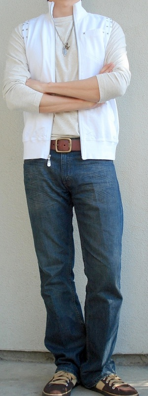 Men's White Vest Beige T-Shirt Brown Leather Belt Dark Blue Jeans Brown Sneakers