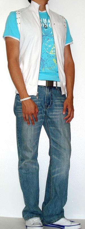 Men's White Vest White Shoes Light Blue Jeans White Belt Blue Graphic Tee